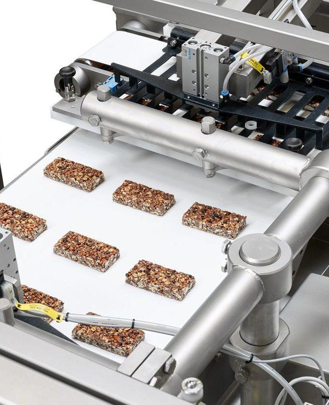 Rowfeeder for granola bars